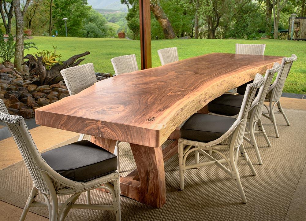 Стильные столы из массива дерева